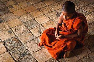 Moine méditation