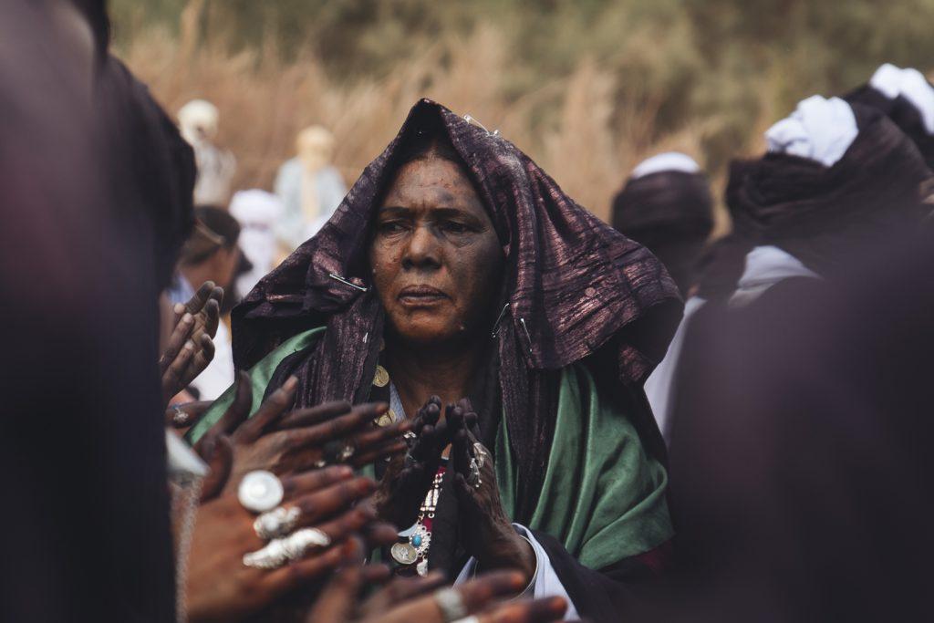 Les femmes Touaregs qui participent à la Sebiba